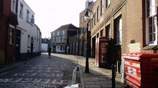 Sunlight around the corner, Canterbury